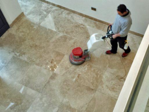 A márványlapok tisztítása és ápolása